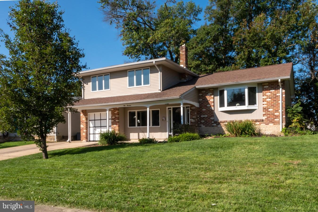 114 Halloween Run, This 4 bedroom 2 full bath home is a must see.  Set on a cul-de-sac home site and