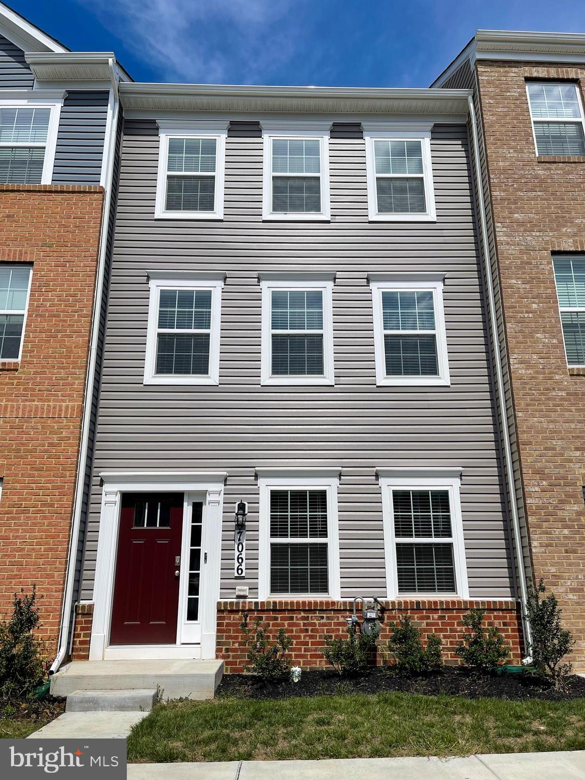 Brand new 1,962 sq ft. 2 car garage townhome with 3 bedrooms/2.5 bathrooms located within walking di