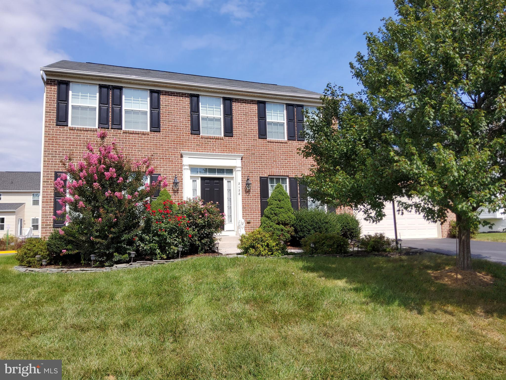 Very well maintained brick front singe family home and sought after Port Potomac neighborhood 4 BR +