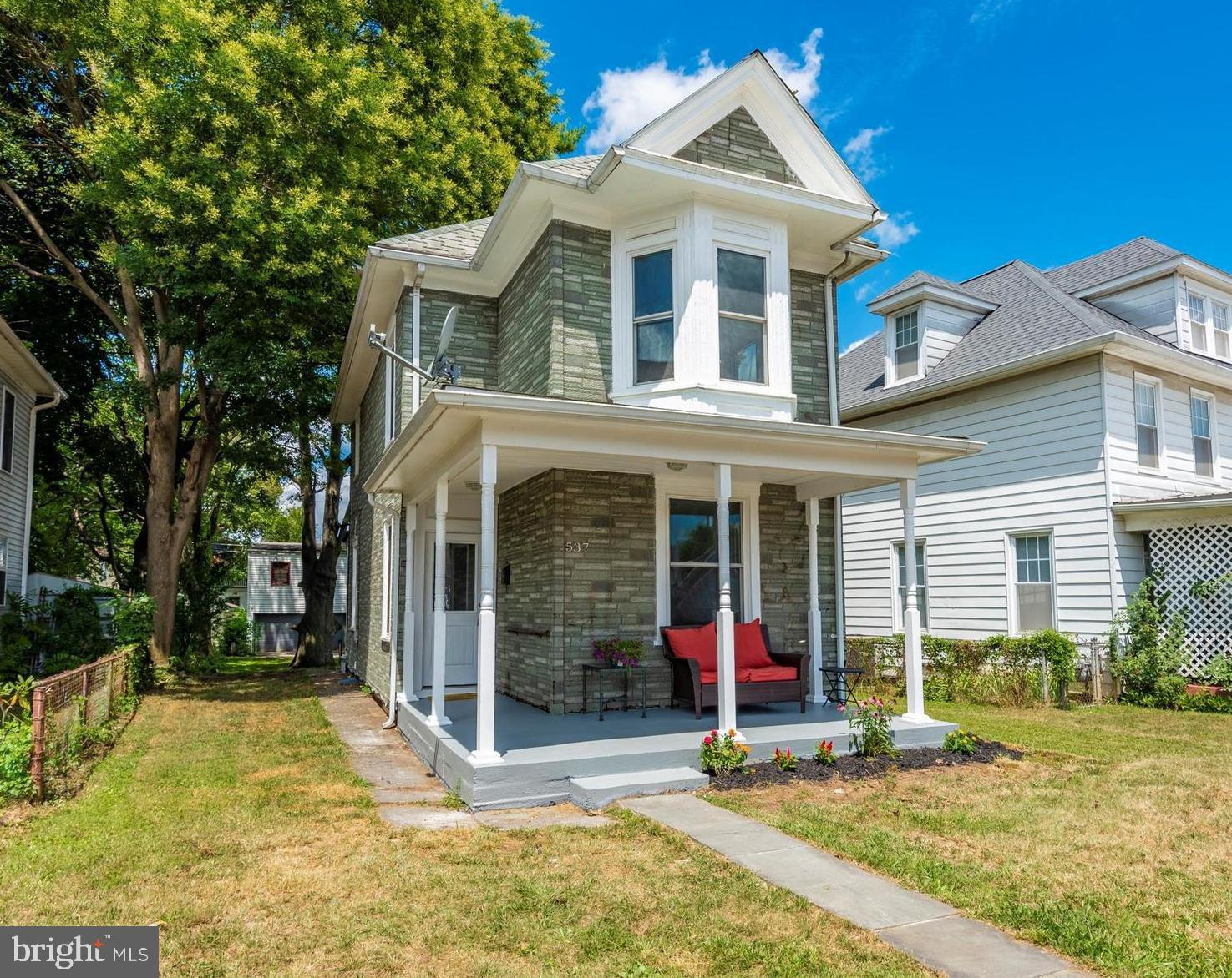Price reduced!  Traditional colonial w/ wide plank hardwoods on 2 levels- just nothing else like it