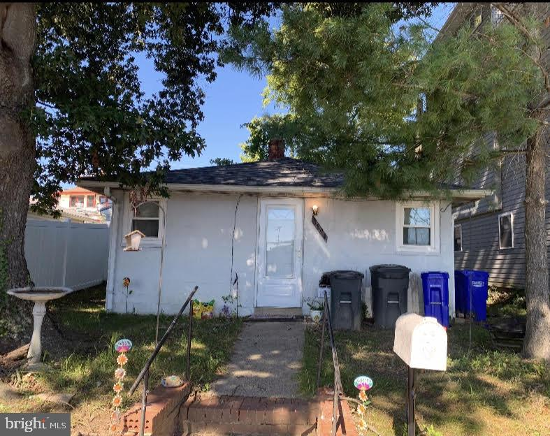 *Investor Delight* Absolutely great location!! Close distance to delicious restaurants, water park,