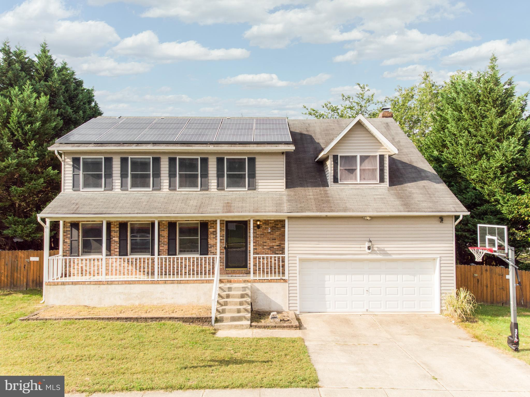 Largest model with HUGE primary suite with garden bath and sitting area and loads of closet space. T