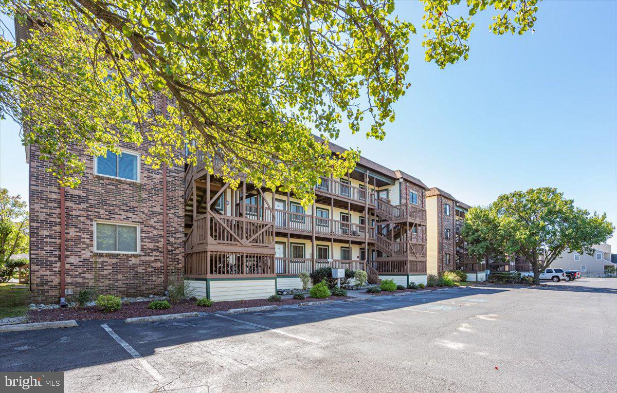 Newly RENOVATED in 2021!! 2 bedroom 2 full bathroom condo unit on 2nd floor with a view and access t
