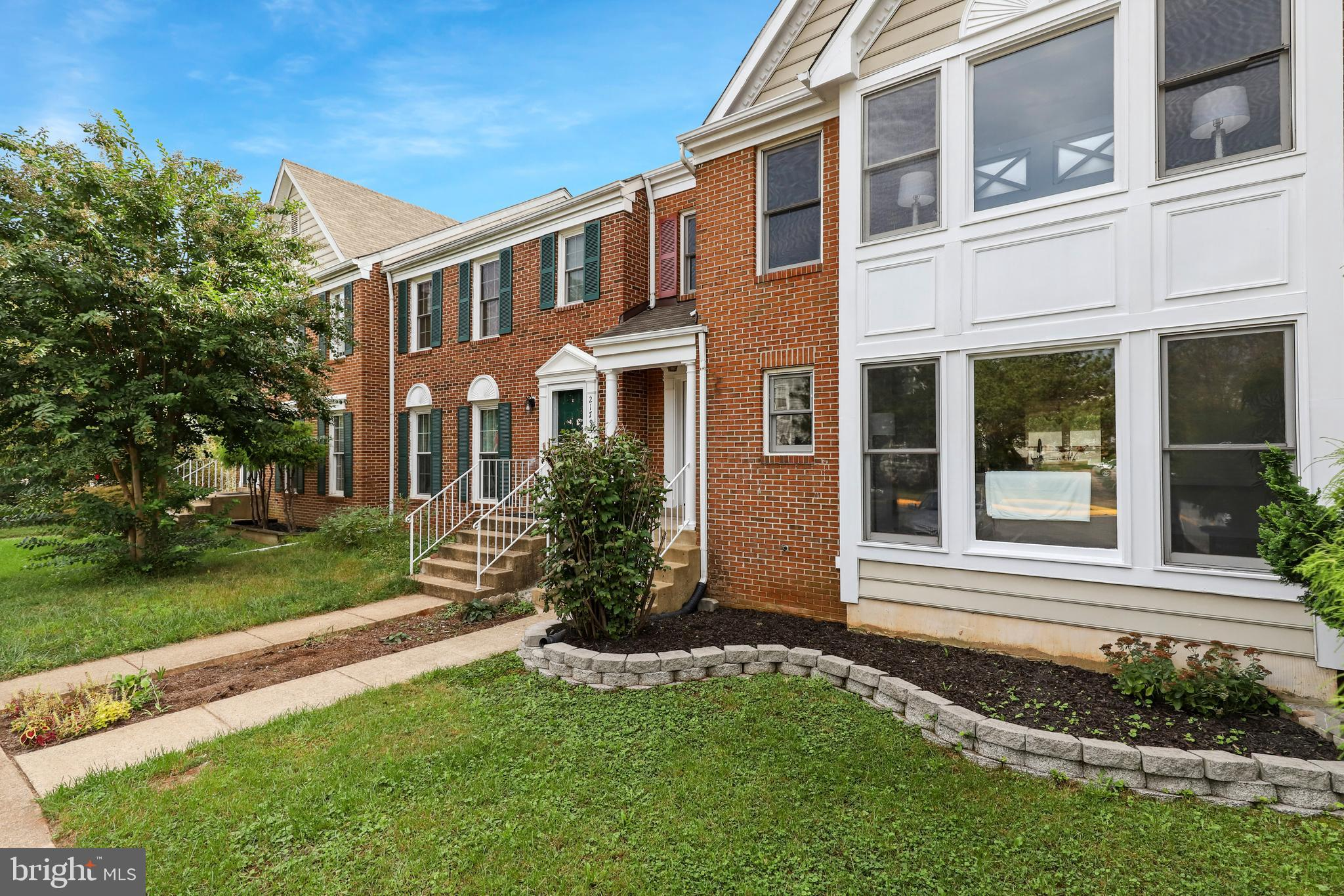 Beautiful 3 Bed 3.5 bath townhome located in the Woodstone community of Sterling! This lovely home b