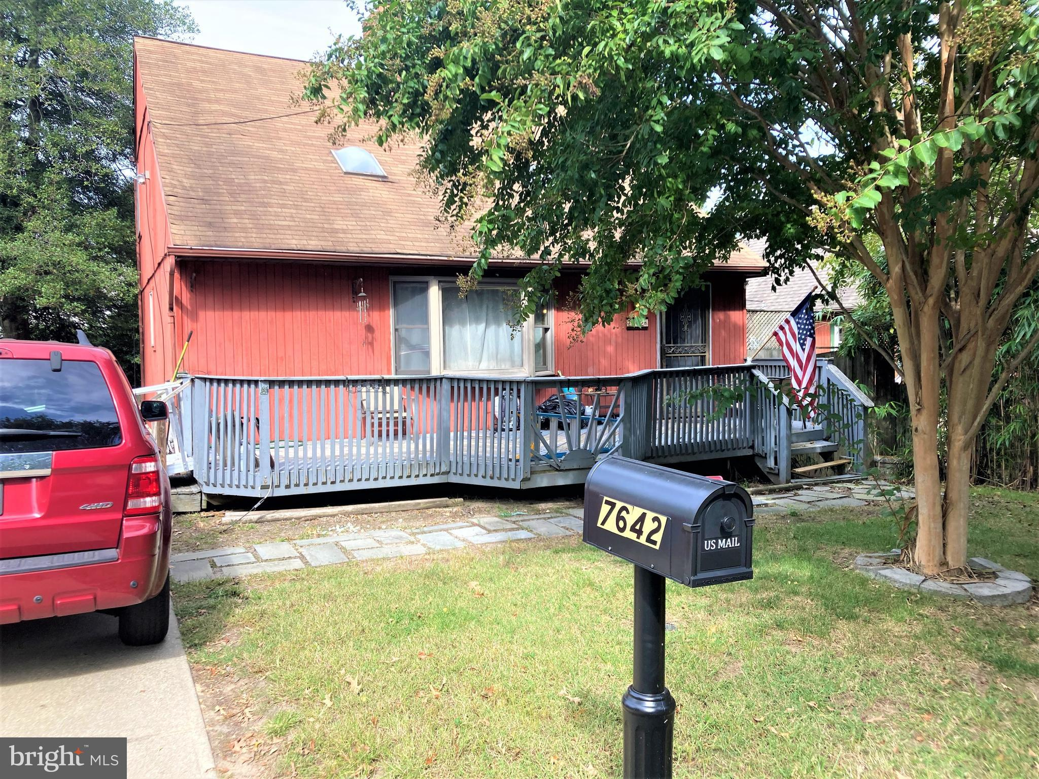 Great opportunity for investor or handy buyer in water oriented Mt Pleasant Beach. Community boat ra