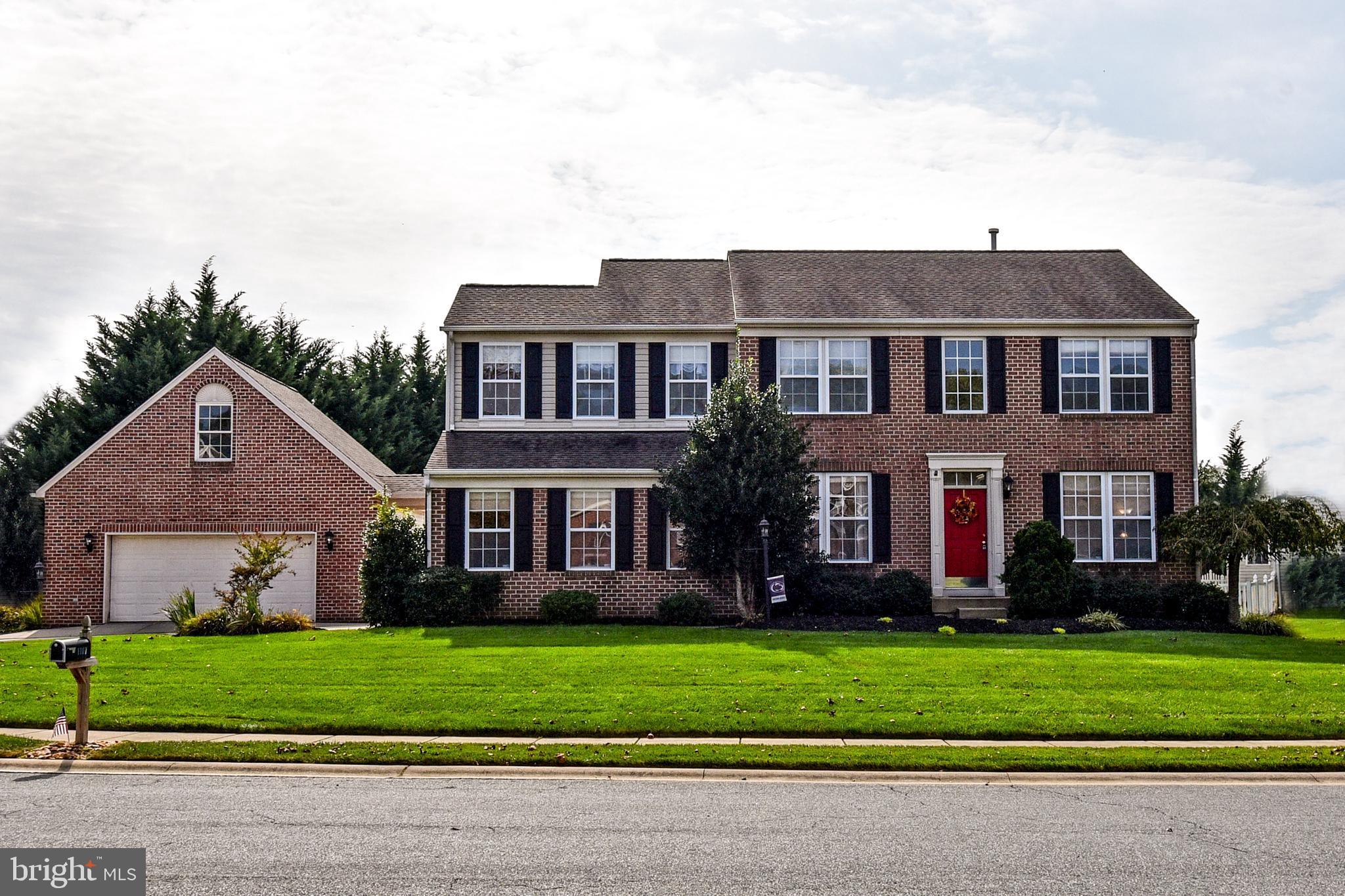 MUST SEE! METICULOUSLY MAINTAINED 5 BEDROOM 3.5 BATH BRICK COLONIAL IN SOUGHT AFTER STONE RIDGE COMM