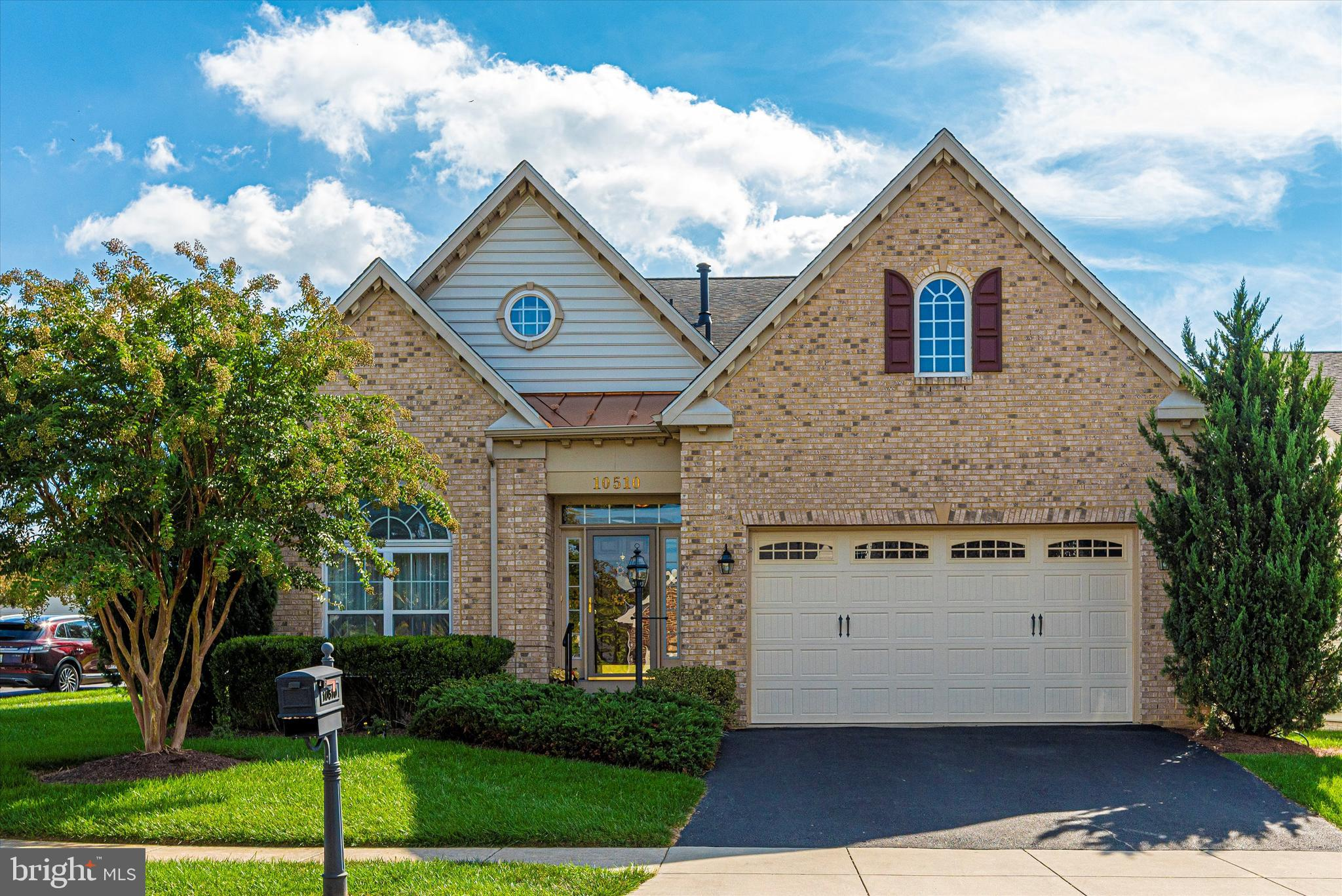 Here's your chance to own in one of the most sought after 55+ communities around. Signature Club at