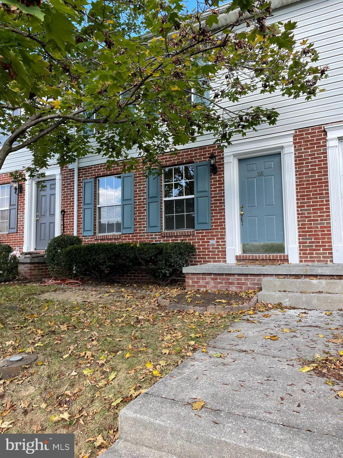 ATTENTION- Investors & First Time Home Buyers !  Terrific commuter location located in the East side