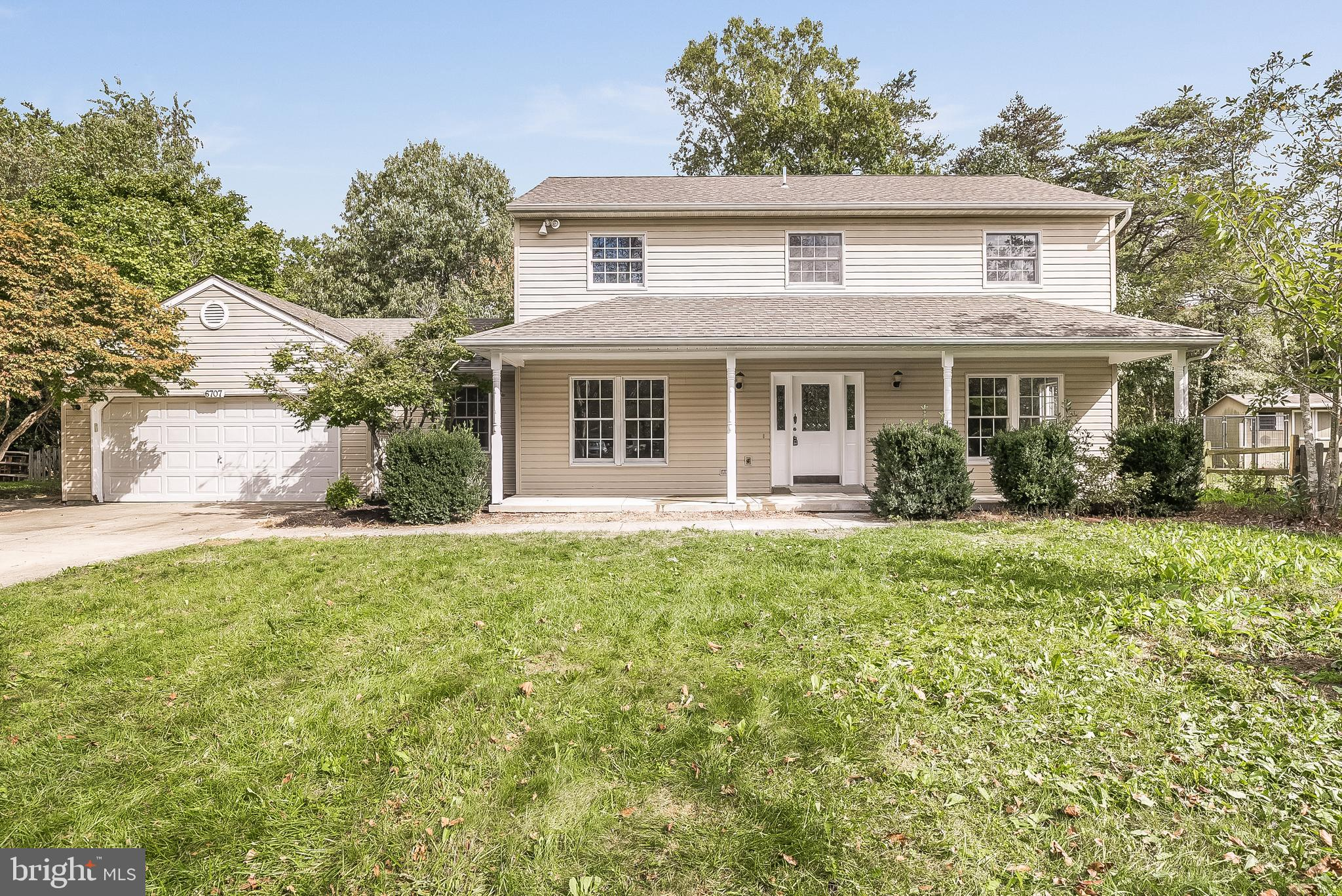 Welcome to this spectacular home that is renovated throughout by a caring homeowner! This home has a