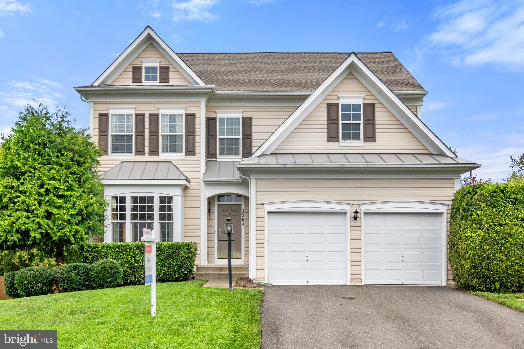 This perfect one owner home in desirable Cramers Ridge is ready for new owners. Expanded Yardley Mod