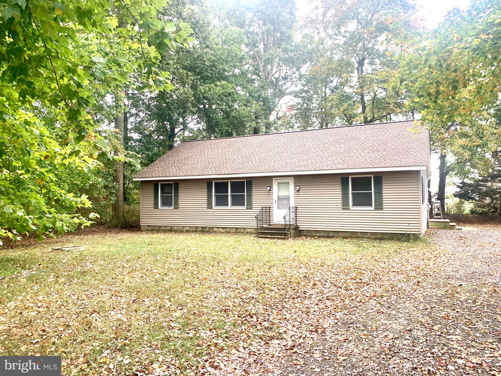 3 bedroom 2 bath home just minutes from Fenwick Island , Ocean City Md, and Bethany Beach. Nestled o
