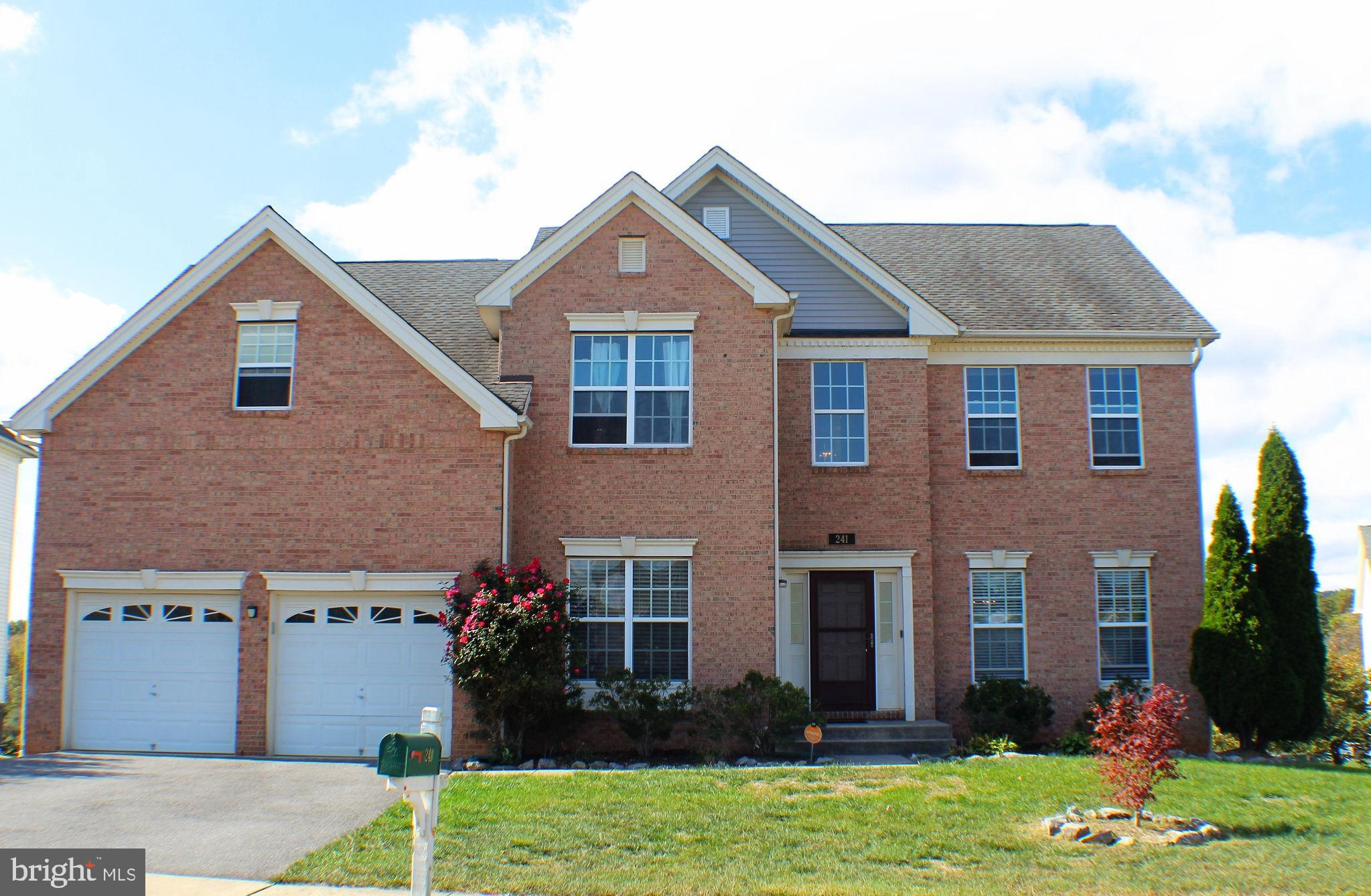 Welcome home! This lovely and spacious Colonial style home offers more than you can imagine, like re
