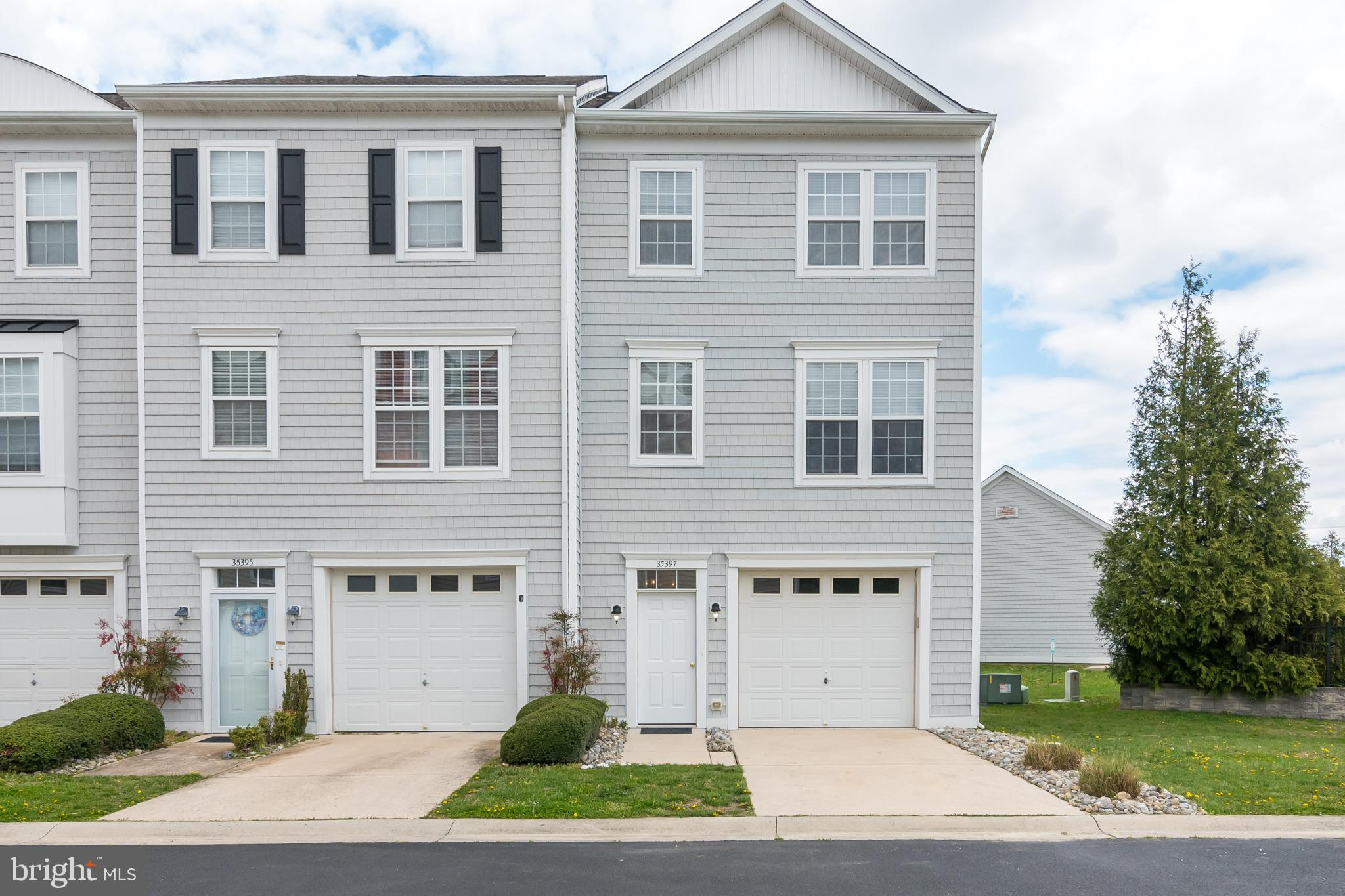Welcome Home! This highly desirable End Unit Townhome has been recently updated, offers natural ligh