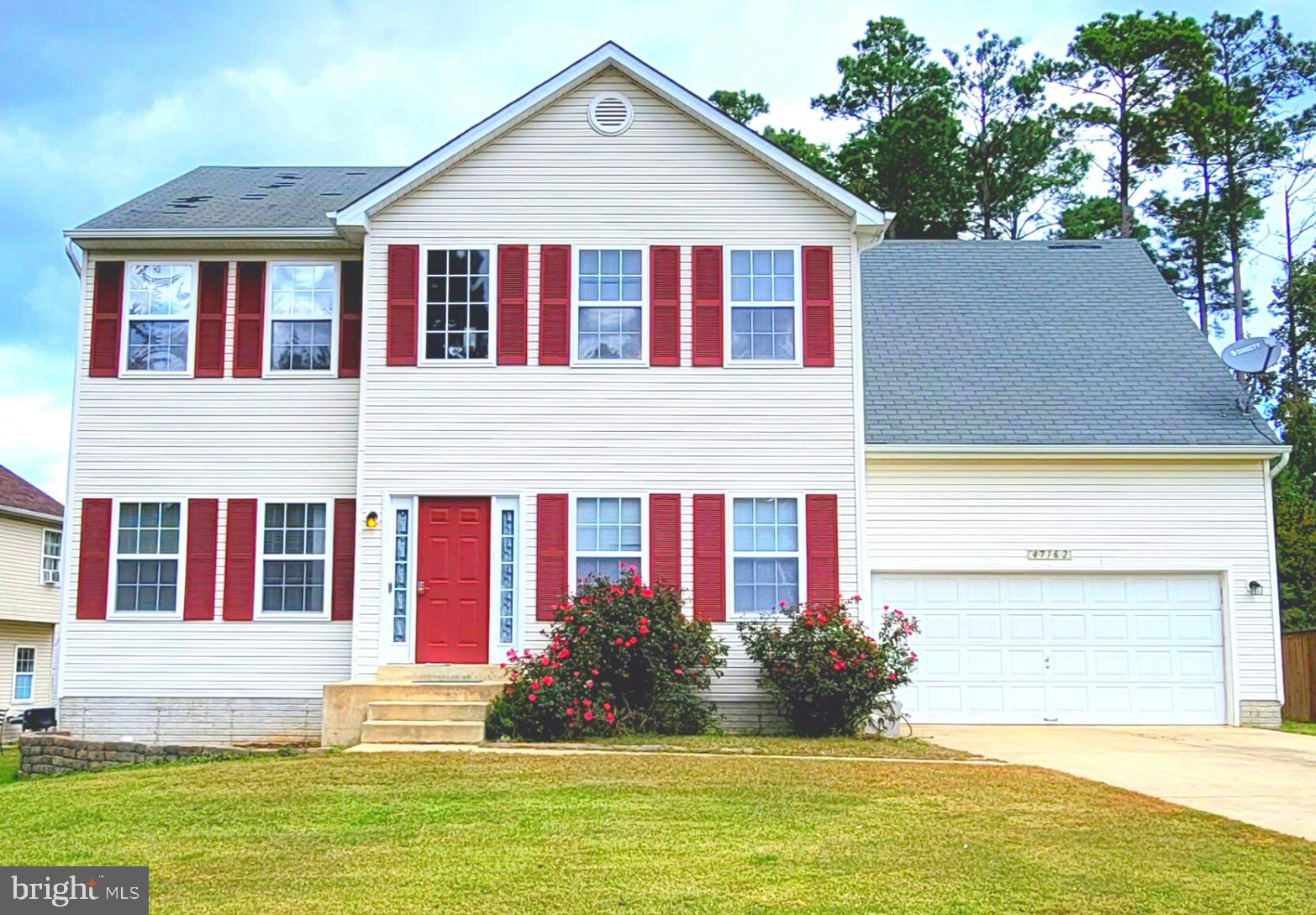 Enjoy family and friends in spacious open floor plan on main level. Kitchen and breakfast area opens