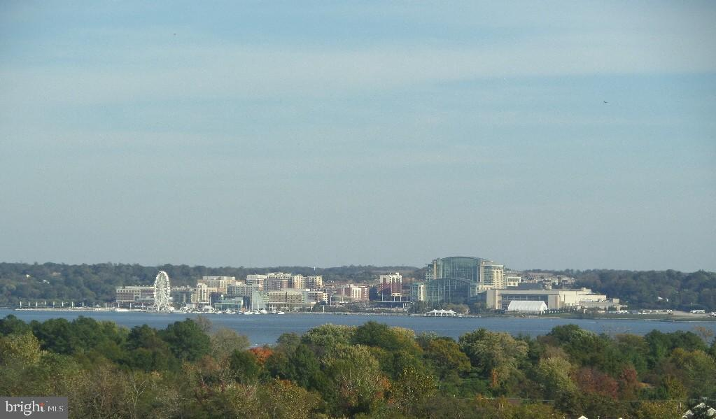 PANORAMIC Potomac River View !!  Walk to METRO!!  This spacious 673 square foot 1 bedroom on the 15t