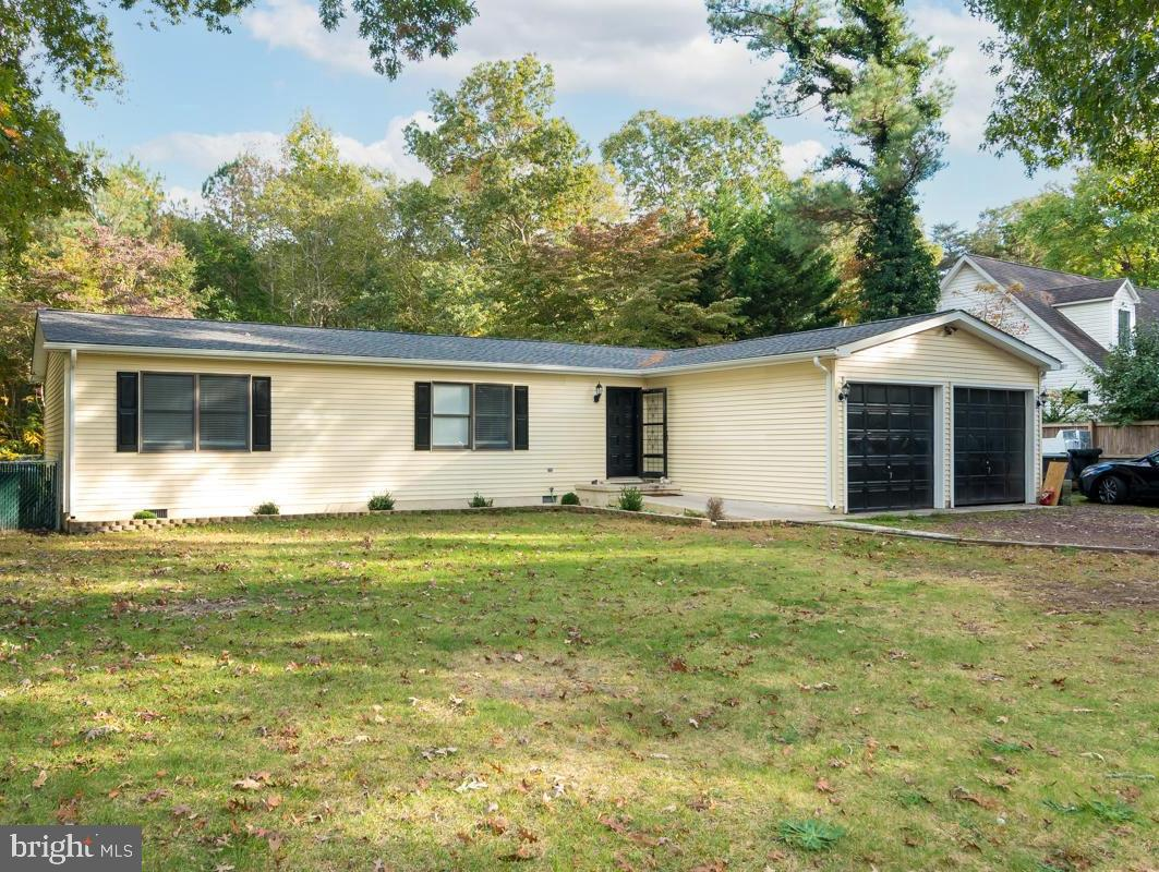 Come check out this beautiful fully remodeled 3 bedroom, 2 bath home in the community of Deerwood, j