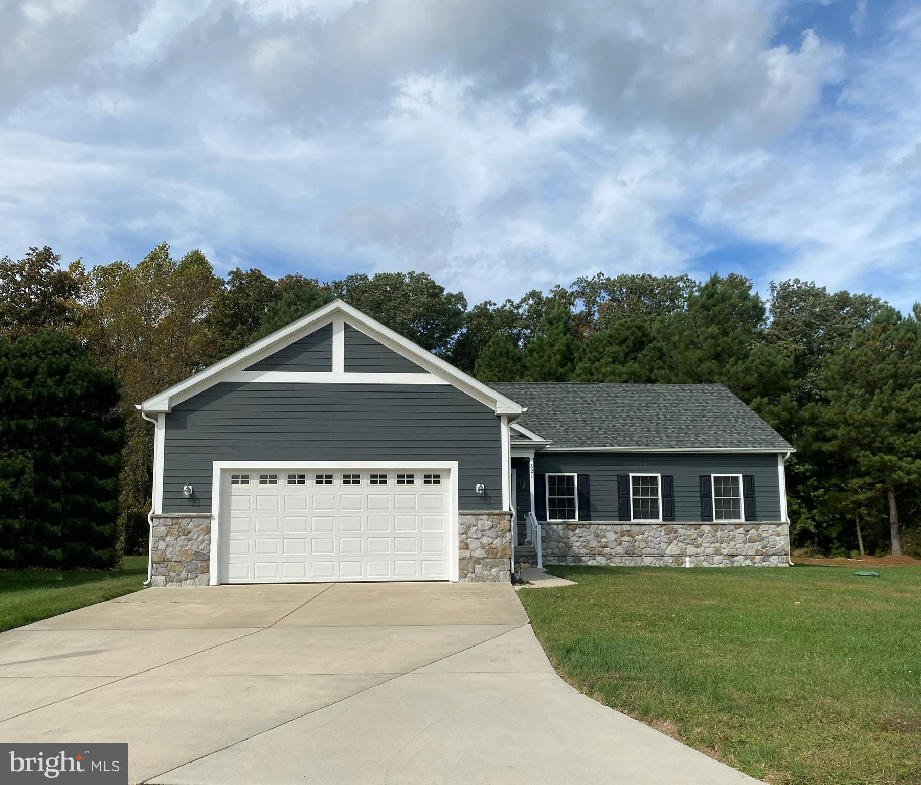 In the great community of Wagamon's West Shore located in the Charming Town of Milton, DE, just a sh