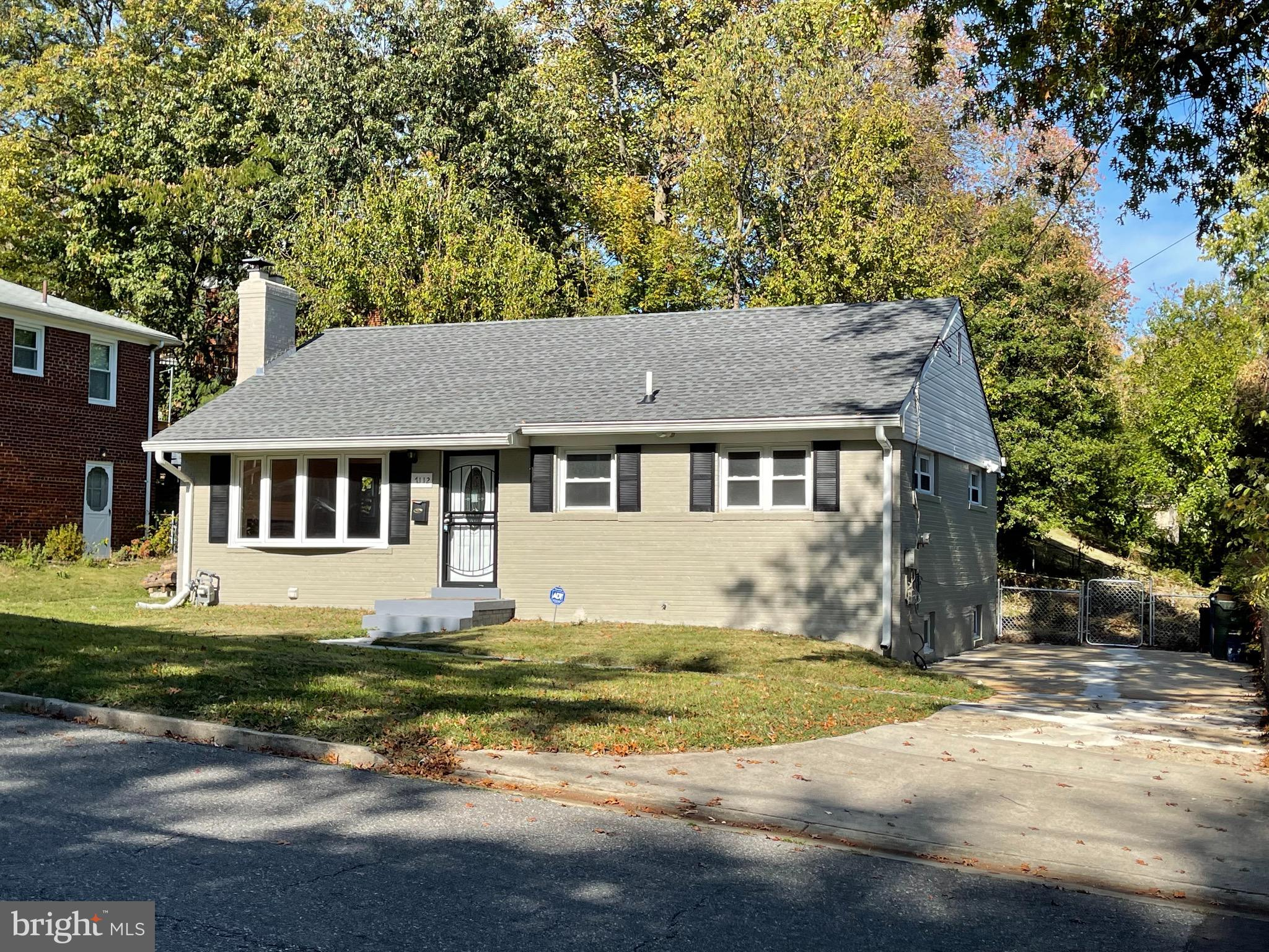 NEWLY RENOVATED RAMBLER. 3 BEDROOMS, 1 FULL BATH ON MAIN FLOOR. OPEN FLOOR PLAN WITH GORGEOUS KITCHE