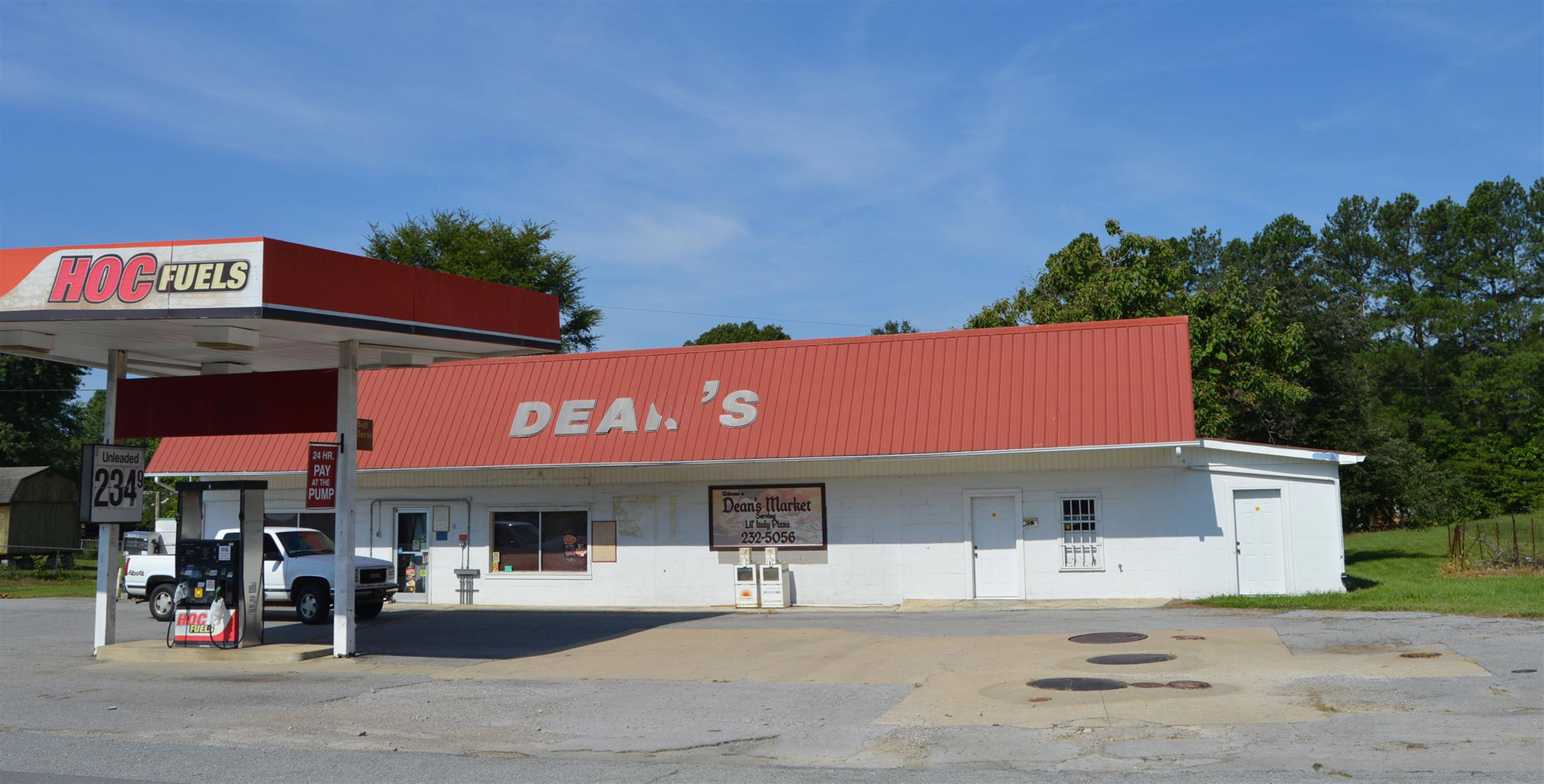 DEANS MARKET HAS BEEN A FIXTURE IN THE BUMPUS MILLS AREA FOR NEARLY 60 YEARS/BUILDING IS NOW VACANT AND READY FOR A NEW BUSINESS AND OWNER/GAS PUMPS STILL IN PLACE WITH AGREEMENT WITH HOLLINGSWORTH OIL COMPANY/MULTIPLE USE OPTIONS/LOT BEHIND STORE CONDUCIVE TO ADDING MINI-STORAGE UNITS/SECURITY GATE INSIDE BUILDING/PRICE HAS BEEN REDUCED - PROPERTY SOLD AS-IS