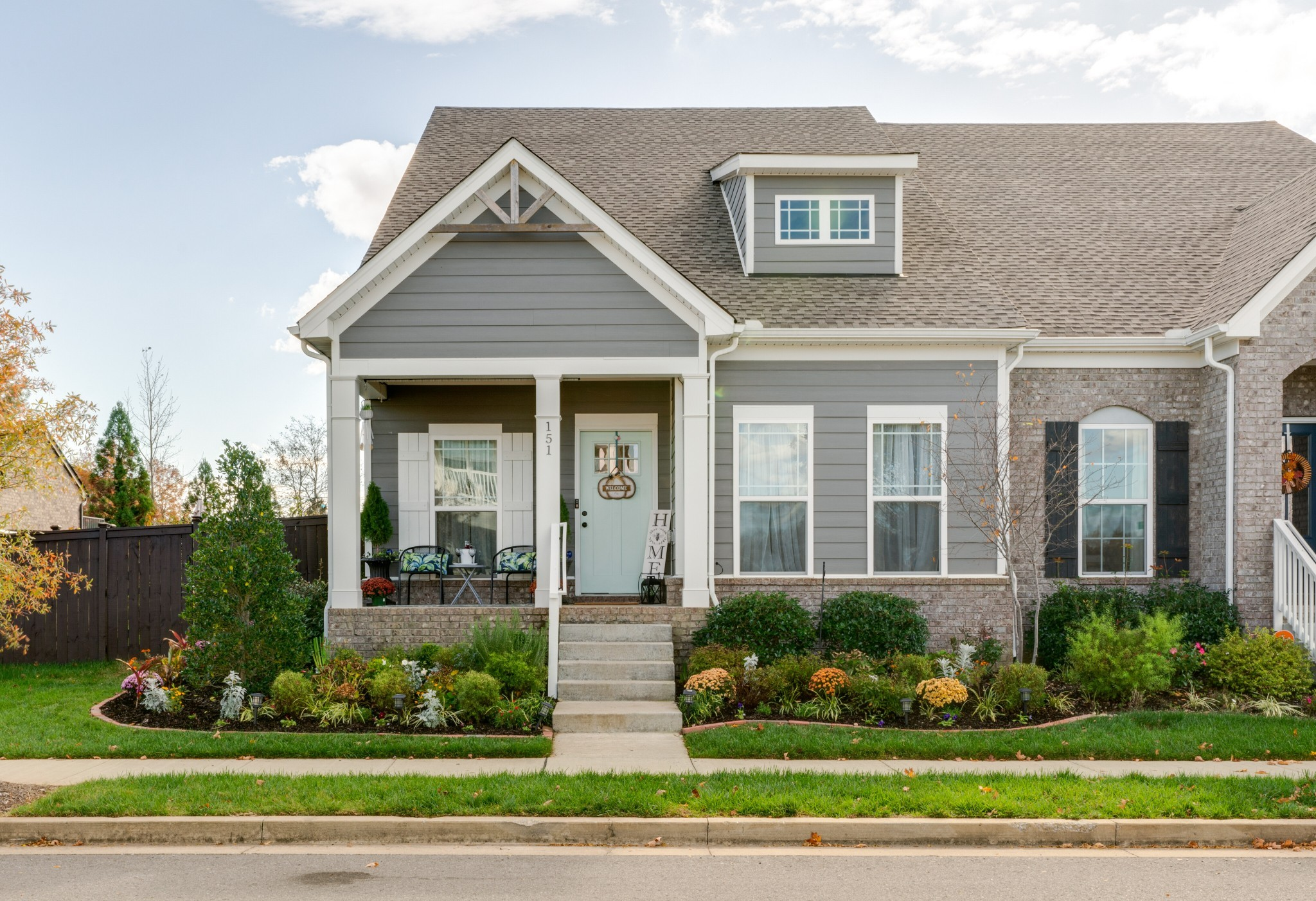 A MUST SEE!* Pristine, Normandy Craftsman Villa*Total 4 Bedrooms with 2 on the main level*3 full bat