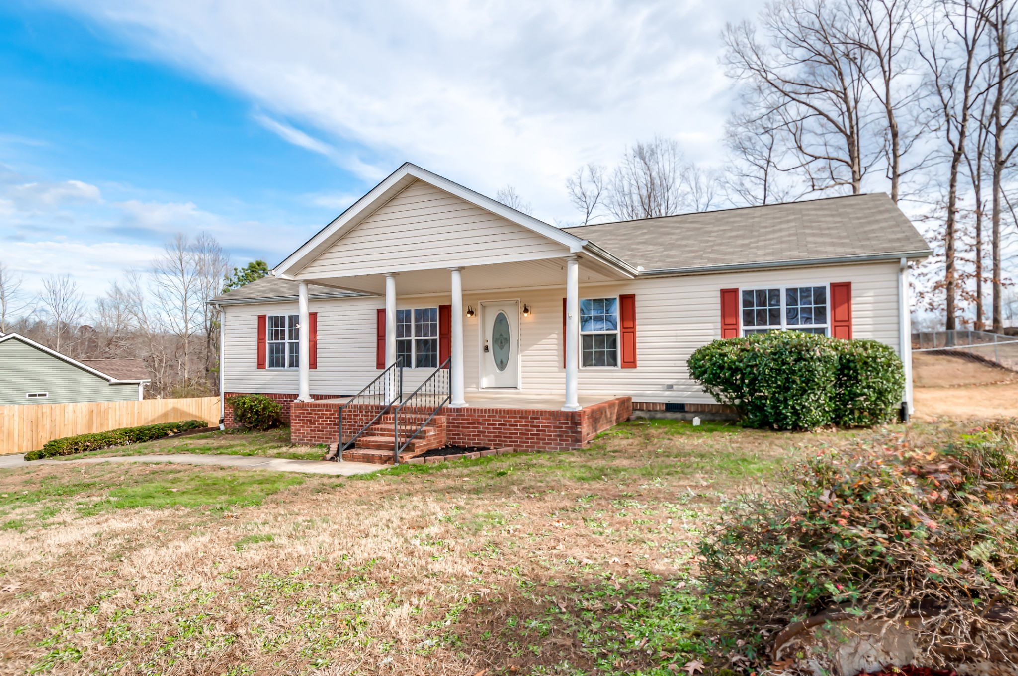 Great home in a wonderful highly desired neighborhood close to downtown Dickson.  This home offers f