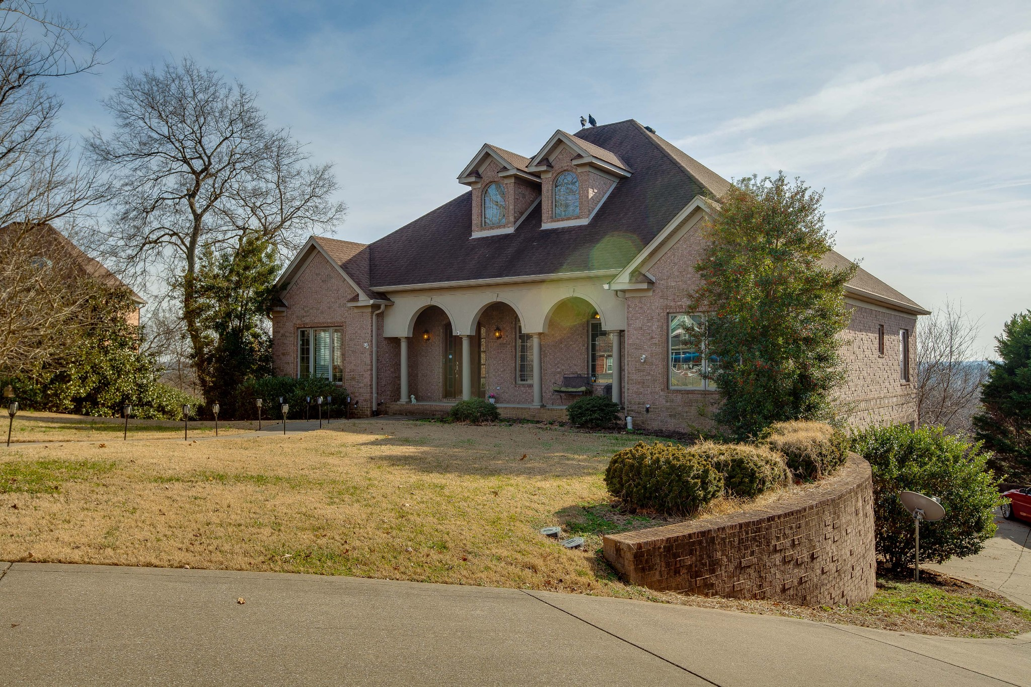 Estate like home located on a cul de sac with a beautiful 50 mile view. Large foyer with natural lig