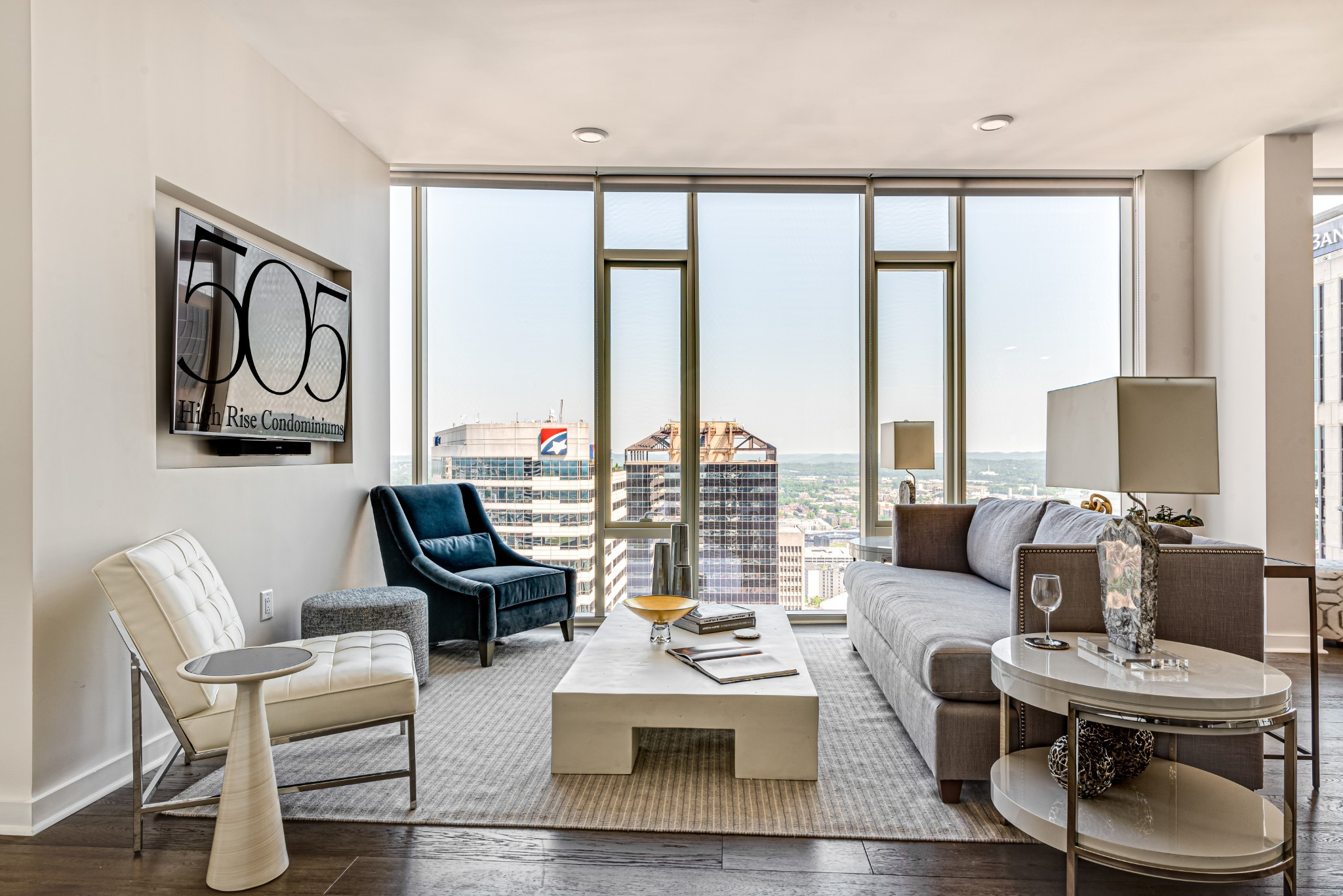 Unparalleled luxury living in Nashville's exclusive 505 building*Extraordinary floor-to-ceiling view