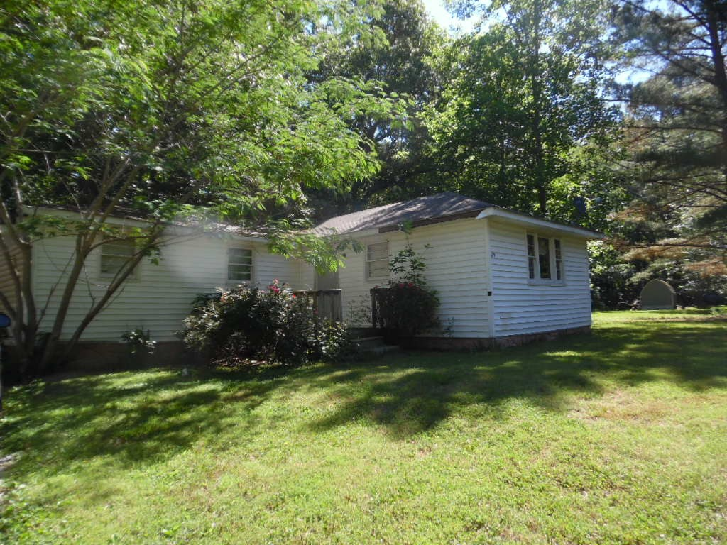 Tenant occupied do not approach property, 24 hours notice needed to view property, SOLD AS IS CASH ONLY!  Fixer upper, great investment opportunity, always stays rented!