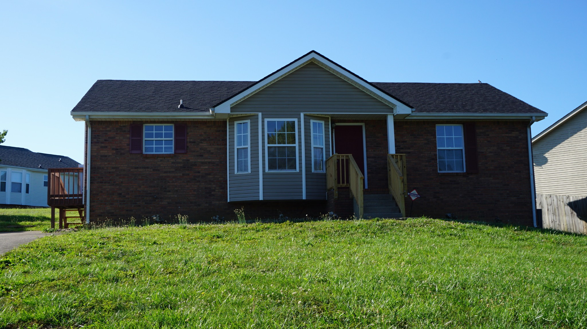 VERY NICE RANCH. FEATURES 3 BEDROOMS, 2 FULL BATHS, NEW FLOORING IN LIVING ROOM, DINING ROOM, BEDROOMS, AND KITCHEN, FRESHLY PAINTED.