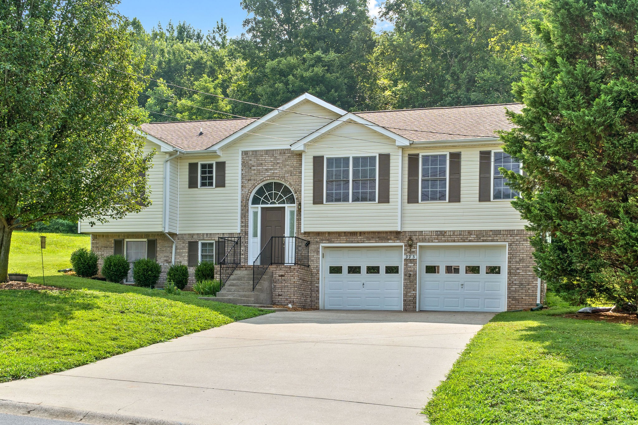 BACK TO ACTIVE ~ WOW!!! You do not want to miss this Beautiful Home located in Sugartree Subdivision. Close to Ft. Campbell, Shopping, Restaurants! This home boasts brand new paint on the main level, BRAND NEW stainless steel appliances. Hot water heater 6/21, Roof 2015, HVAC 2017! Every room has walk in closets. This home has been meticulously taken care of and is ready for it to be YOUR NEXT HOME!