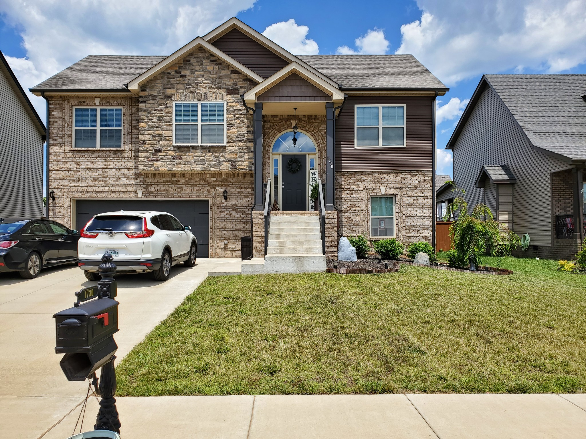 Welcome Home!  This home has the WOW factor.  Beautiful split foyer home close to Rossview Schools and Exit 8.  Two master suites with plenty of space.  Upstairs has well designed open concept for family gatherings. This home will be your happy place.