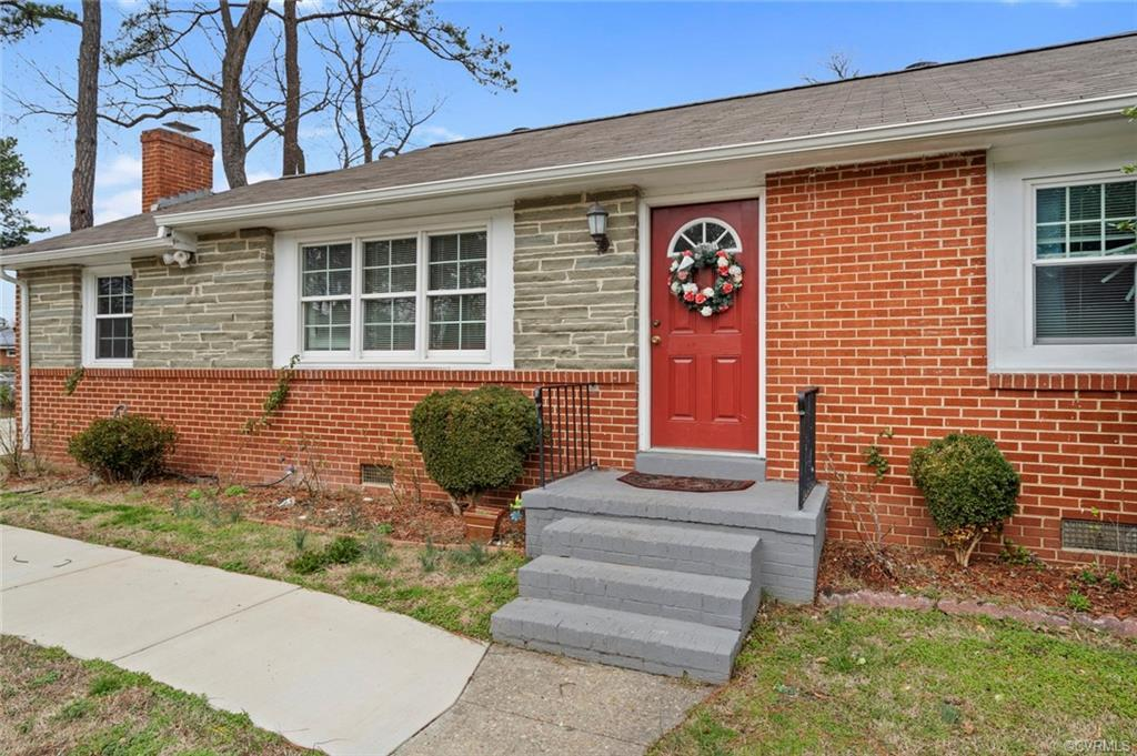 Beautiful home in Henrico! Lots of upgrades throughout! Newer windows (2018), new insulation (2019),