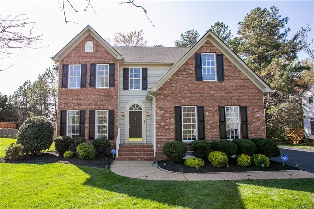 Beautiful home in the Hampshire subdivision. 2016 updates: Red Oak hardwood throughout the first flo