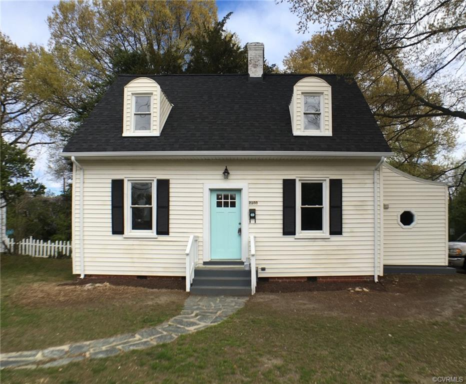 In the heart of Lakeside, this renovated cape has been renovated and ready to move in and enjoy.   S