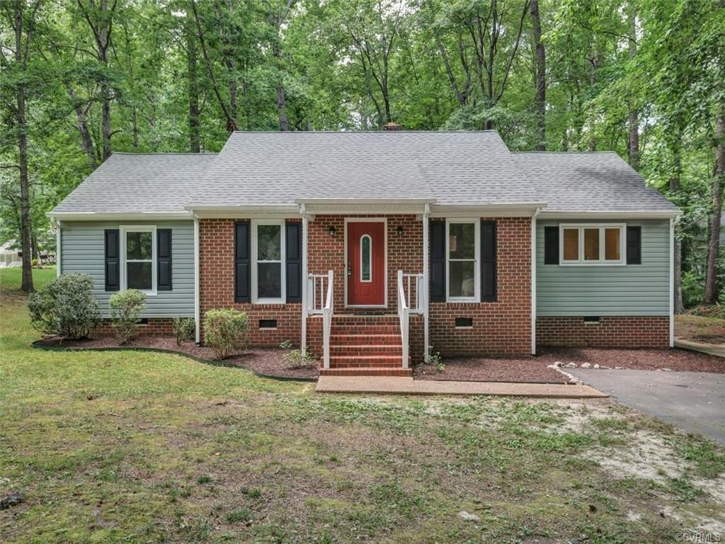 Wonderful new Listing in the Mill Spring Neighborhood of Woodlake! This one level home has been Freshly Repainted, the Kitchen has been Renovated with new Cabinets, Dishwasher and Granite Countertops with a beautiful Backsplash! Siding and Sliding Doors replaced approximately 2 years ago. Huge Deck that stretches the length of the home with access from both the Family Room and Master bedroom. The Family Room has a Cathedral Ceiling  with Skylights and a wood burning Fireplace. Woodlake is a wonderful place to call home with all the amenities available including landscaping along the parkways and neighborhood entrances and facilities such as bike trails, tot lots, pool, clubhouse, stop-awhile docks and boating areas.