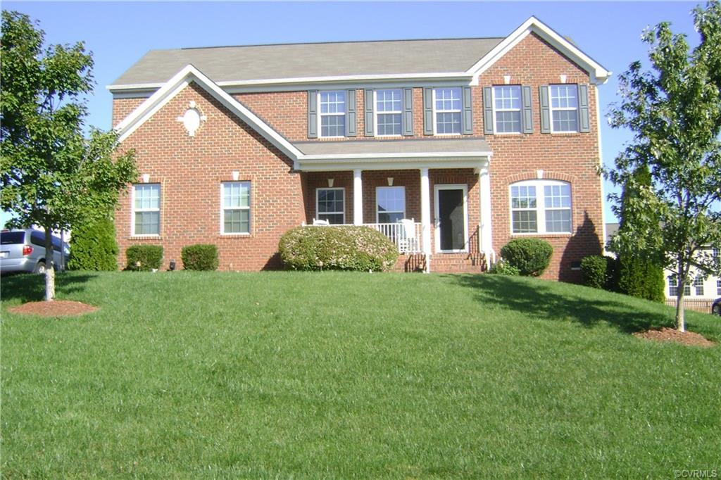 ONE OWNER/LOTS OF UPGRADES..5 BR(2 master)Move in ready to 4308 Fox Trotter Dr. Hillcrest Farms/in E