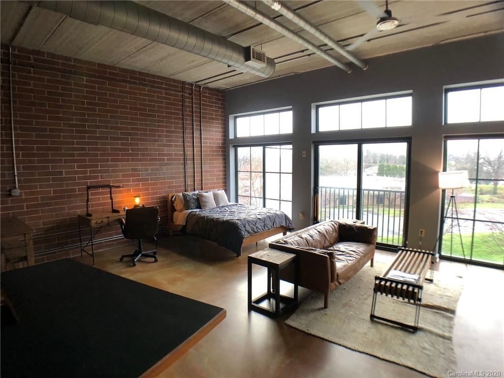 Located in uptown's 4th ward in close proximity to restaurants. Great Loft style space. Fully furnished apt. ALL Utilities included. Electric, Water, Cable. Furniture can be removed if necessary.