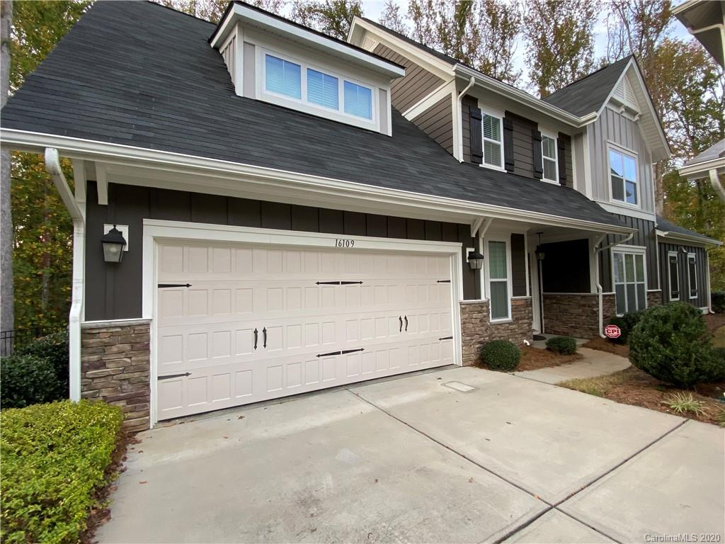 Welcome to this stunning Shea home superbly located in Ballantyne. This courtyard-style beauty was b