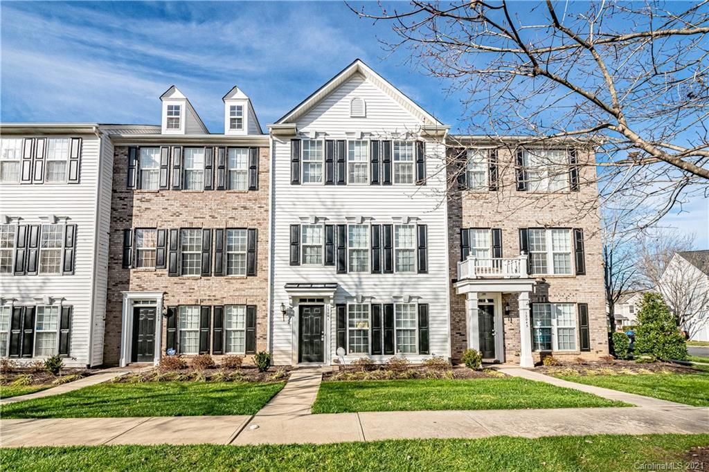 NEW paint (painting NOT yet completed), NEW carpet, 2017 HVAC, Beautiful Townhome in sought-after Ki
