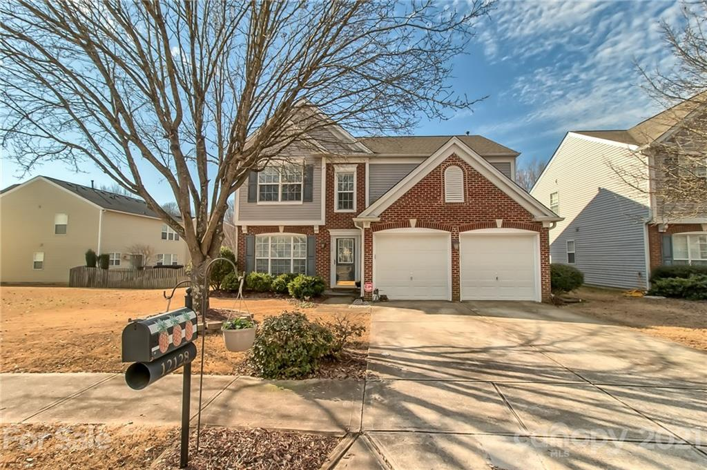 Conveniently located on a cul-de-sac street in the Ballantyne Blakeney area...this adorable home won
