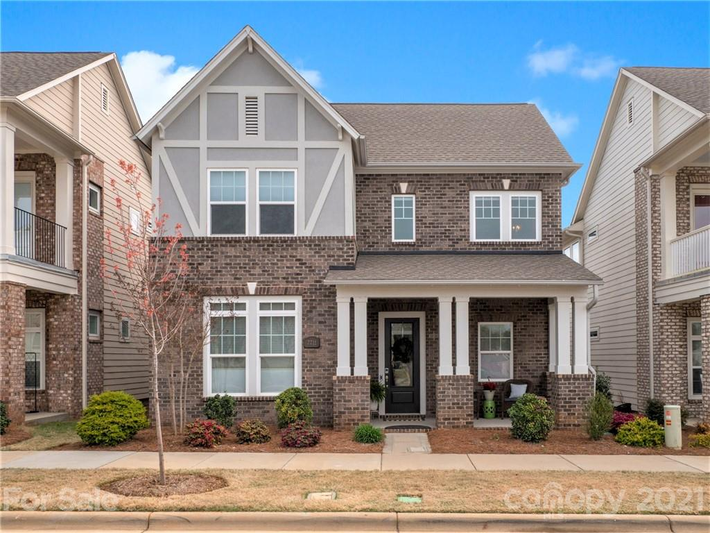 Amazing opportunity in Popular Waverly Community. This David Weekly Home is Absolutely Gorgeous! Mai