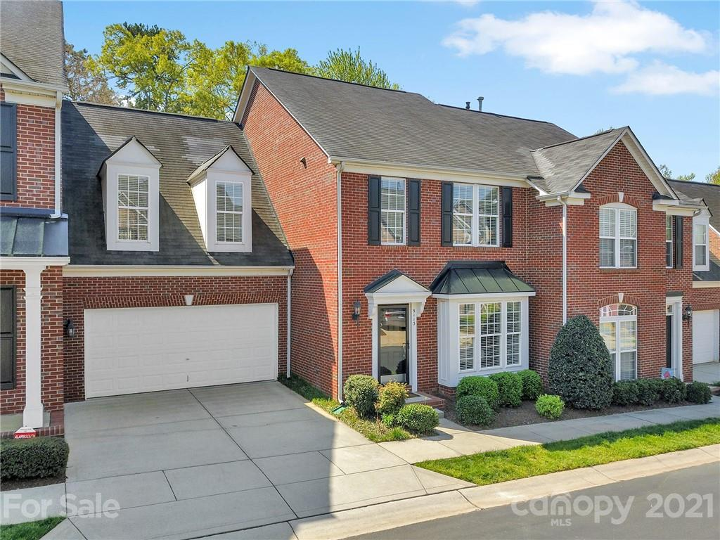 Beautiful Three Bedroom, 2.5 Bath Brick Townhome on Private (No Home Behind, and Backed by Trees), L
