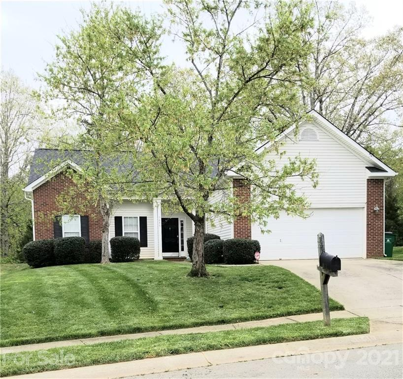 Beautiful single family home located in the Brawley Farms neighborhood.  Minutes from I485, restaurants, and shopping.  Beautiful hardwood floors, granite countertops, and stainless steel appliances included.  Neighborhood also includes a community pool and playground.  This home is a must see!