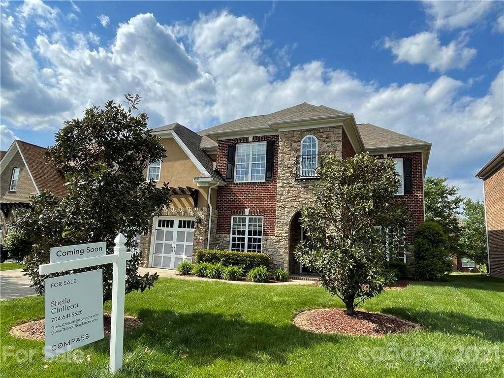 Fabulous all brick home in popular Stone Creek Ranch. Five bedrooms/ bonus room upstairs with 3 full
