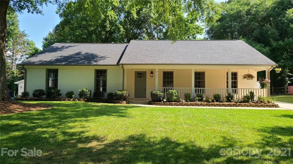 Ideally located in South Charlotte in the very popular Raintree community, with top rated schools, c