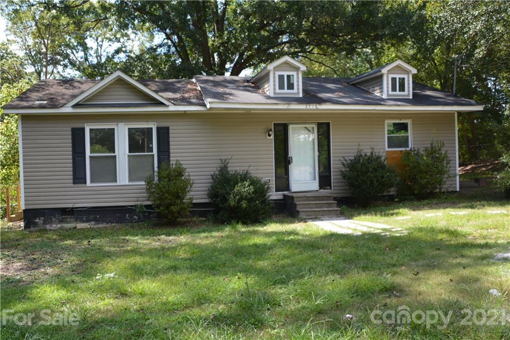 INVESTOR INVESTOR INVESTOR..Great Opportunity to remodel a home to your liking...Great rental opportunity, flip or home.  Sellers' loss is your gain in being able to complete this project.