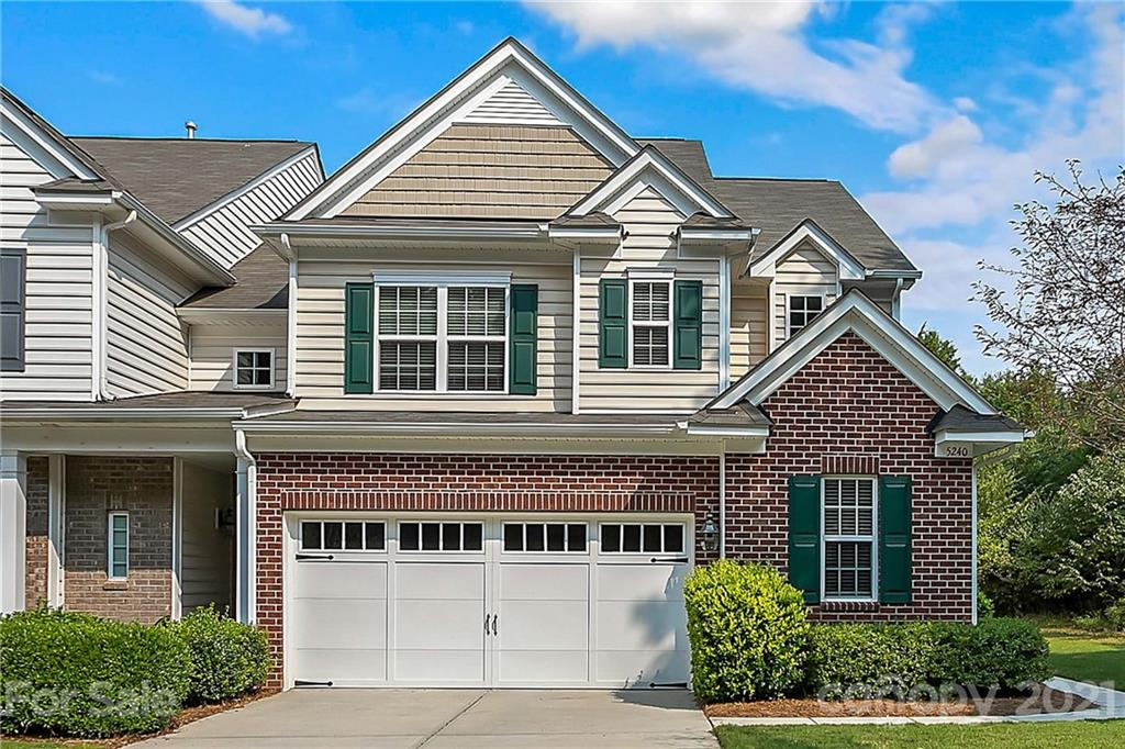 Inviting, end unit 3 bed, 2.5 bath townhome with new carpet and updated finishes throughout! Open fl