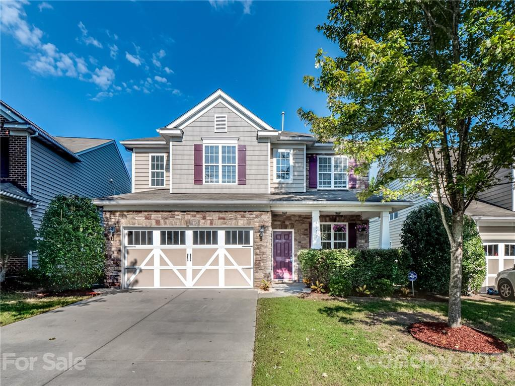 MULTIPLE OFFERS RECEIVED. PLEASE HAVE ALL OFFERS IN BY 5PM ON SEPTEMBER 13TH.  Beautiful, move in re