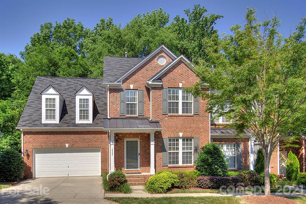 Amazing end unit full brick townhome in South Charlotte is ready for new owners to make new memories