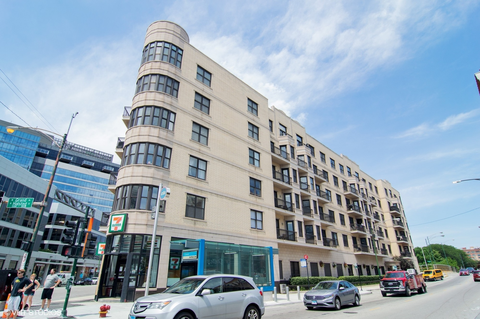 Available for in person showings! River West/River North Designer Furnished In-town Gently Lived-in